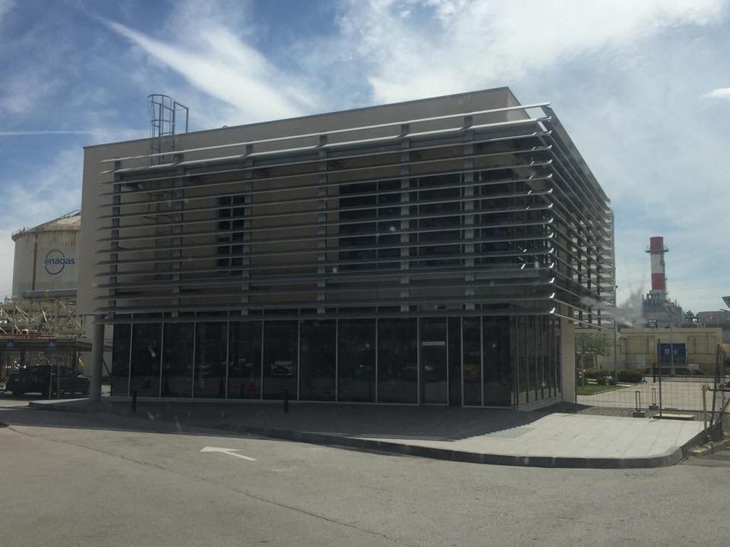 Treballs serralleria a tarragona obres realitzades d 39 estructures met l liques i tancaments - Oficina endesa tarragona ...